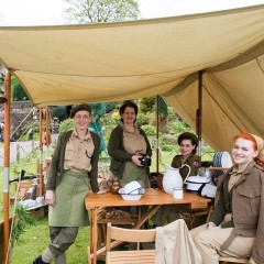 1940's Knees Up