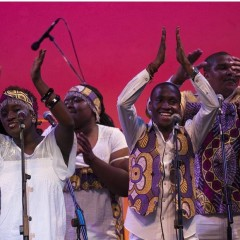London African Gospel Choir performs Graceland